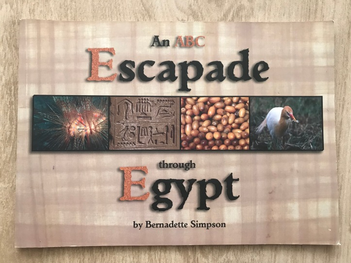 8 Books About Egypt for Kids | www.carriereedtravels.com