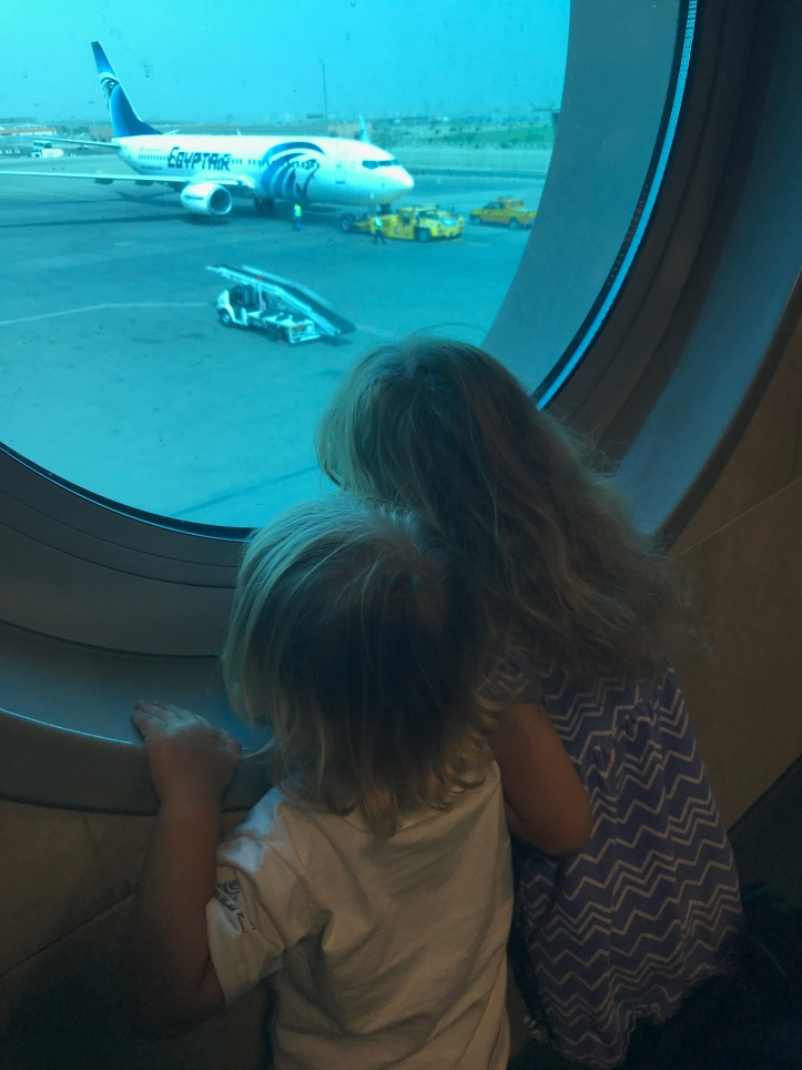 Guide to Surviving Long Haul Flights with Little Kids: Part 2-At the Airport | www.carriereedtravels.com