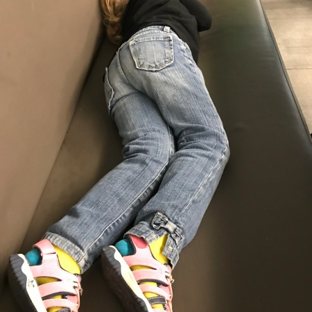 Guide to Surviving Long Haul Flights with Little Kids: Part 4-At the Final Airport | www.carriereedtravels.com