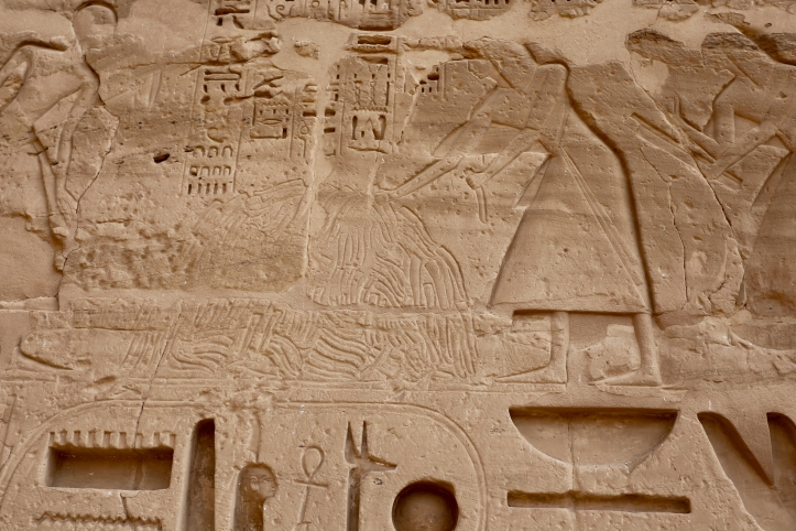 Guide to Visiting Medinet Habu in Luxor, Egypt| Including With Kids! |www.carriereedtravels.com