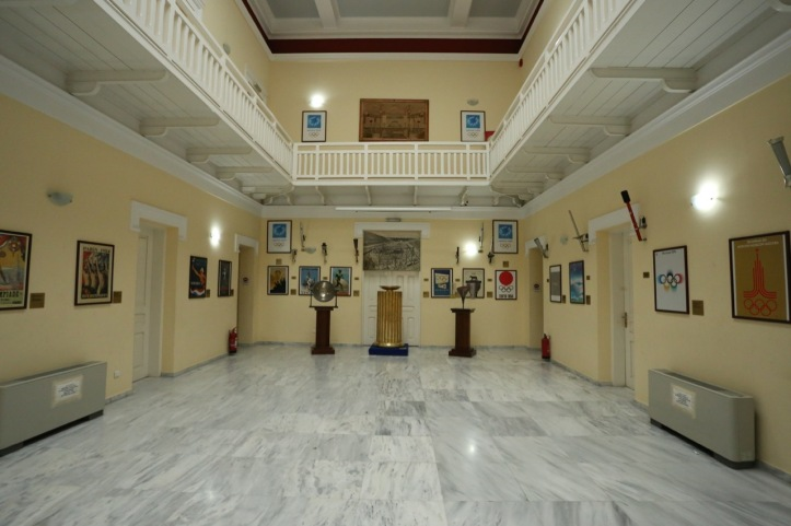 Guide to Visiting Athens, Greece with Kids   www.carriereedtravels.com