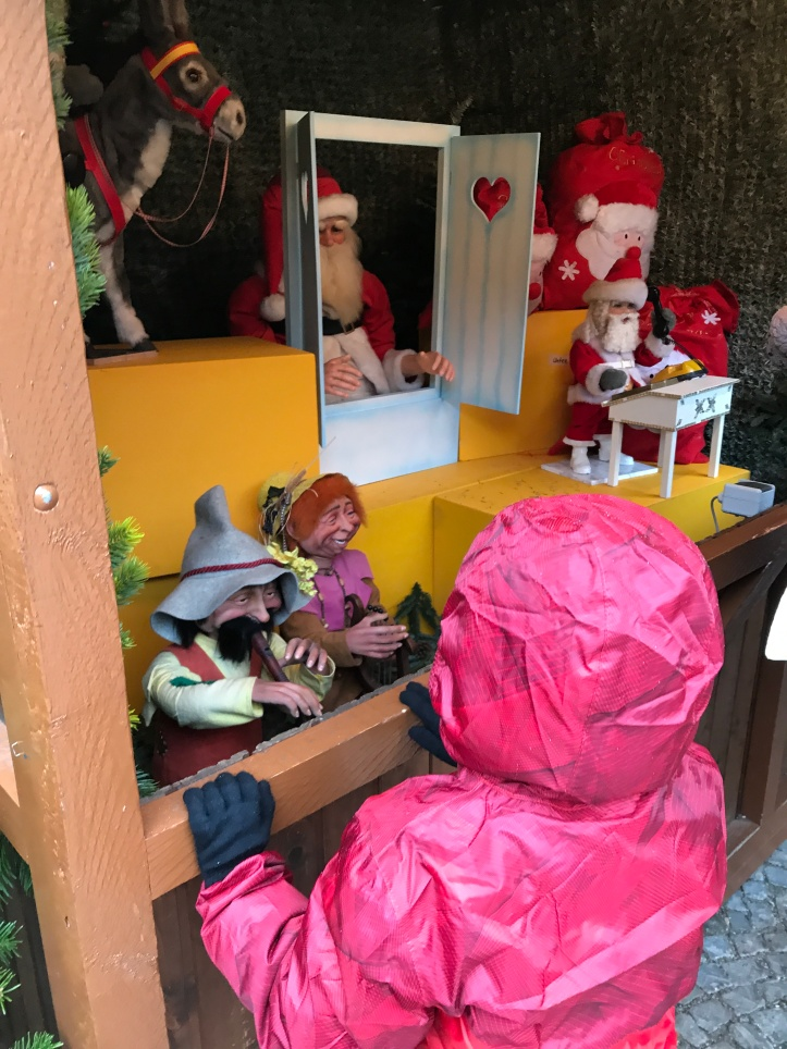 Munich Christmas Markets with Kids | www.carriereedtravels.com