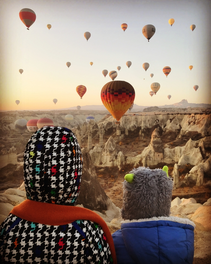Guide to Göreme, Turkey and Cappadocia with Kids: Sunrise Hot Air Balloon Chasing   www.carriereedtravels.com